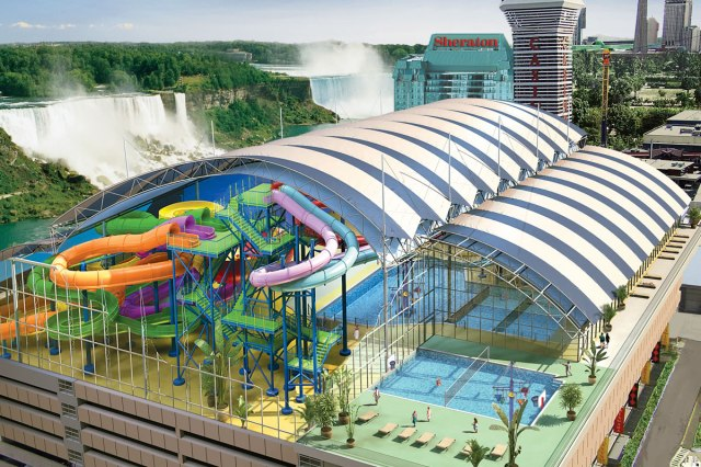 © Fallsview Indoor Water Park